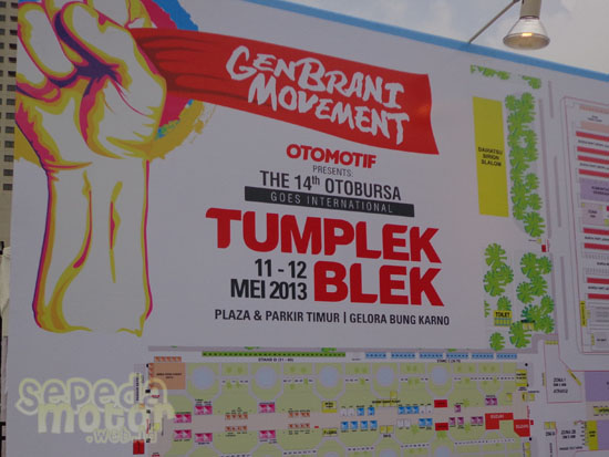 Otobursa Tumplek Blek 2013
