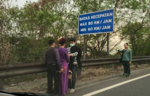 photo-pre-wedding-di-jalan-tol