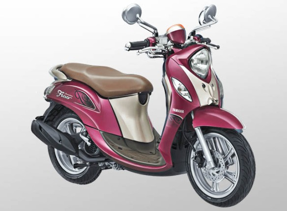Yamaha Fino 125 Premium Warna Red Berry